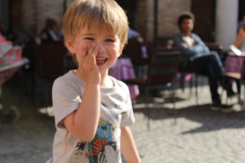 Cheeky smiles - Urbino, Italy